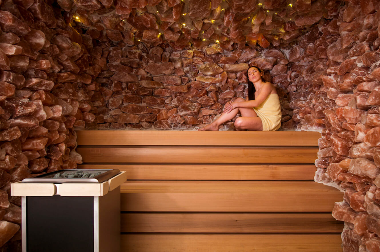 Himalayan salt relaxation room