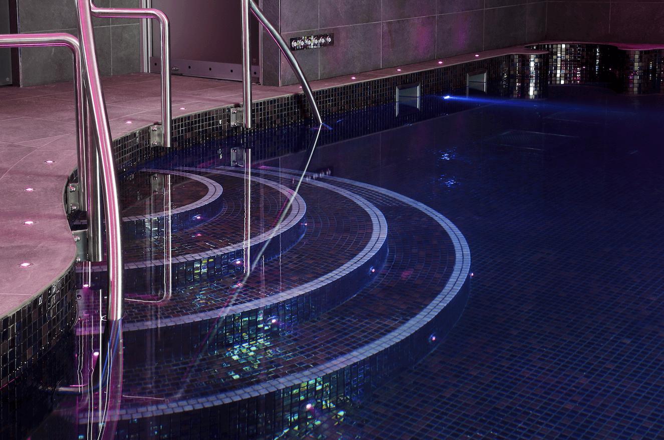 Alan shearer swimming pool